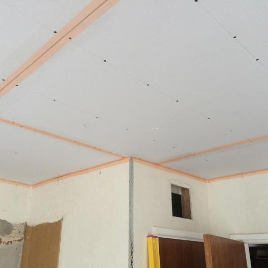 Bedrooom ceiling
